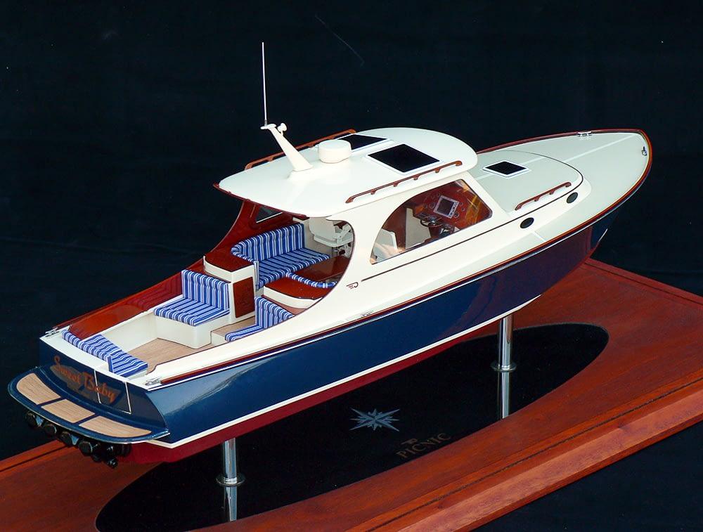 Seacraft Classics Power Boat